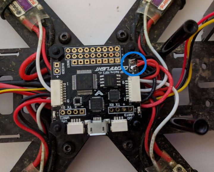 Vbat wires soldered to flight controller
