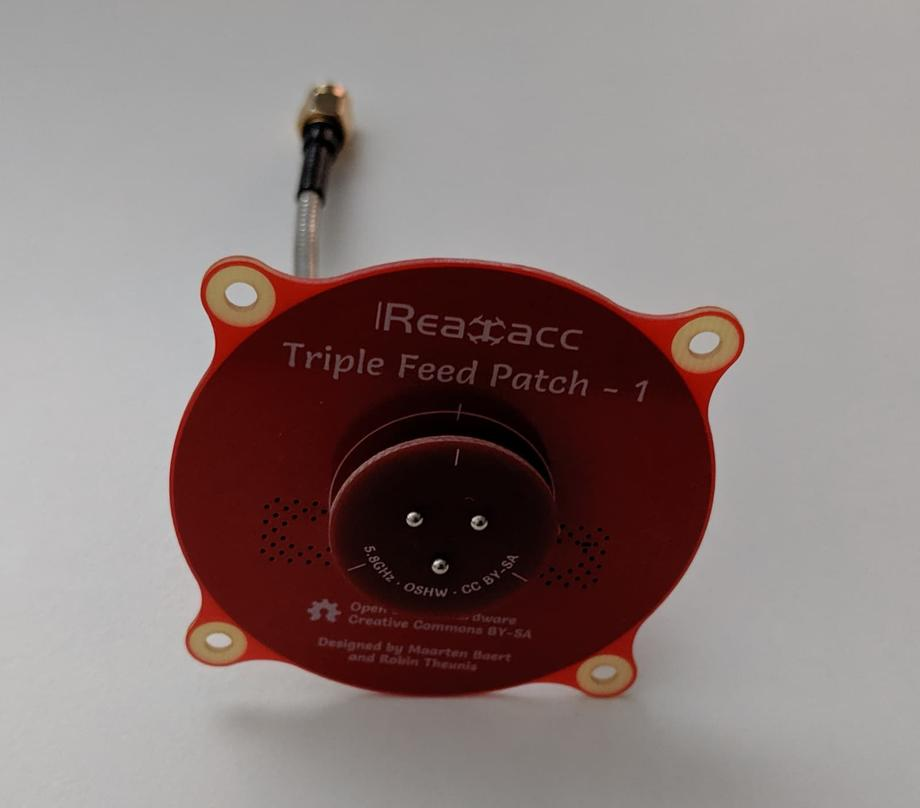 realacc triple feed patch antenna