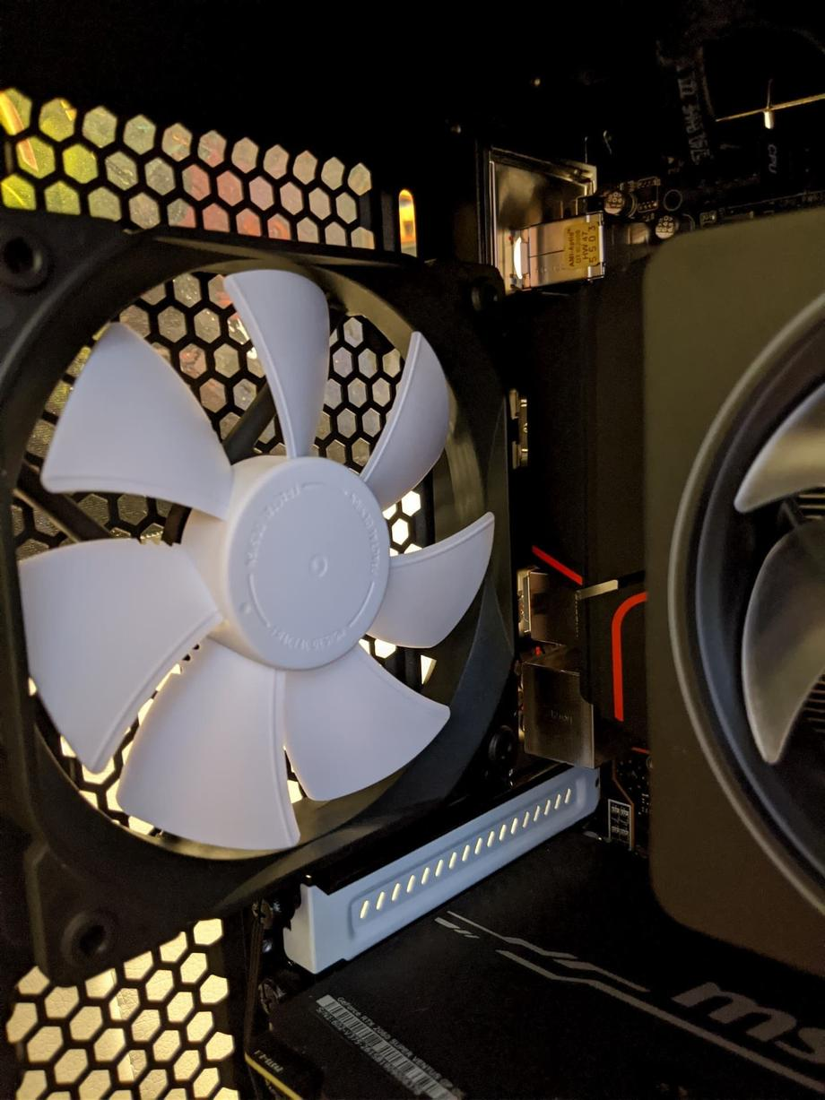 Case back stock fan