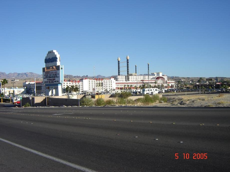 Distant shot of Colorado Belle Hotel and Casino, Laughlin Nevada