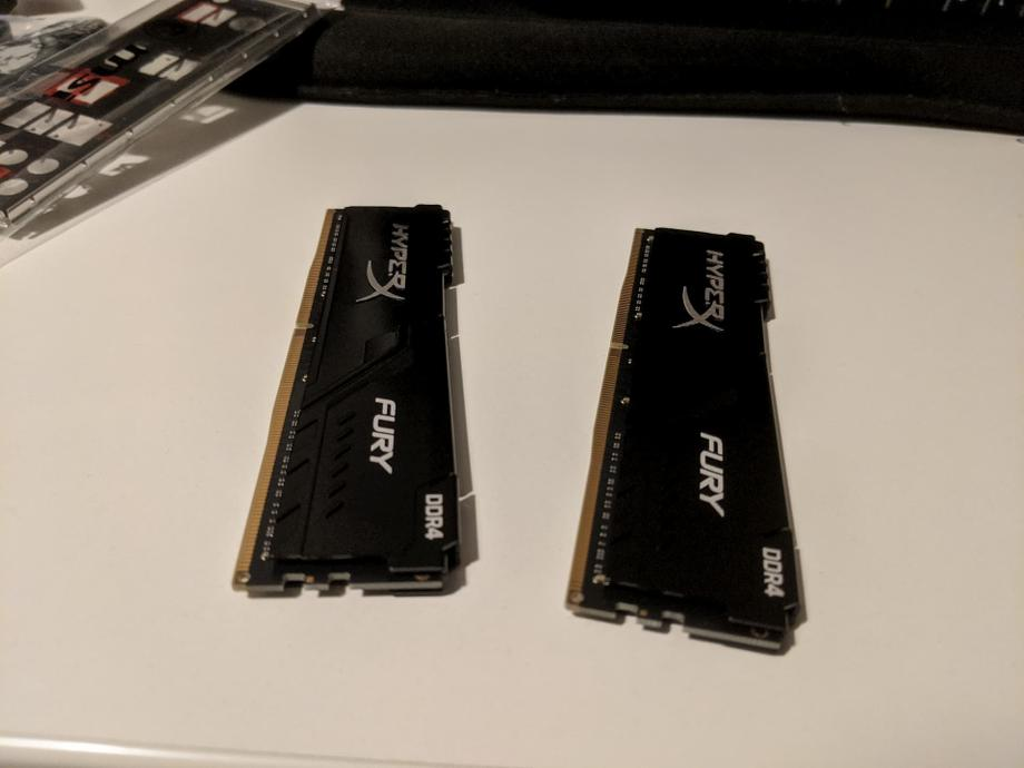 2 16GB Kingston RAM sticks