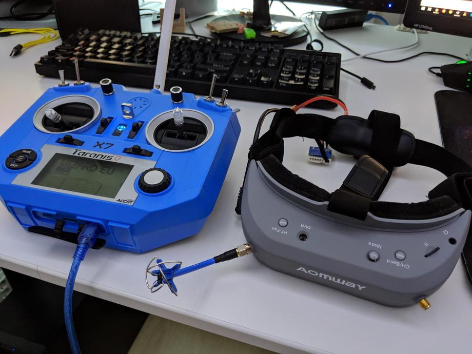 Taranis Q X7 and Aomway Commander v1 goggles